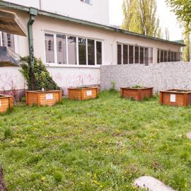 """Mobilné záhrady zrealizované z projektov: MŠ VVŠ SR """"Zdravie na tanieri"""", a z Nadácie Poštovej banky"""