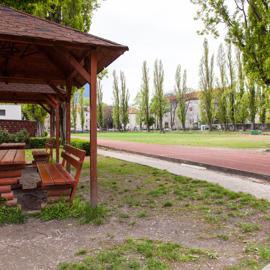 Posedenie pod čerešňou-projekt podporený z MČ Ružinov